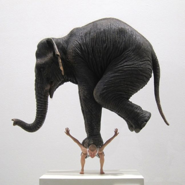 Про слонов, которых не всегда стоит брать на плечи