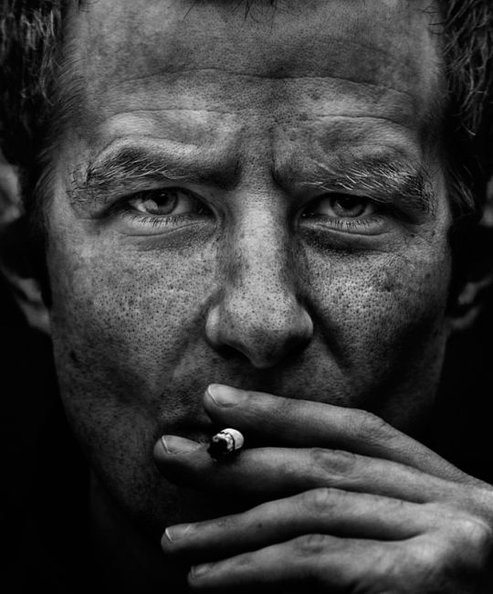 Одна из миллионов историй про остановленную жизнь, про не прожитые потери, про костёр, который невозможно разжечь из пепла.