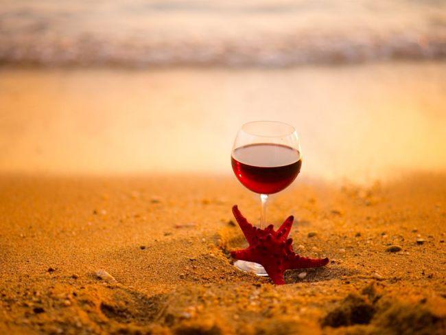 Сказка о вине и бокале (метафора о созависимости и контрзависимости)