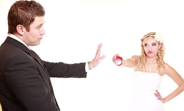 5 правдивых признаков, что он на  тебе  не  женится.