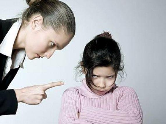 Дочери, которых не любили, и тяжкая ноша семейных секретов.