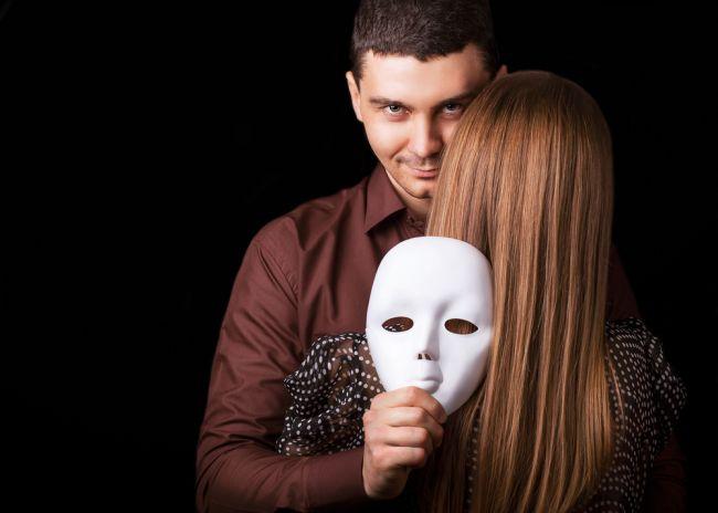 Как распознать любовника-обманщика? Характер Альфа-нарцисса.