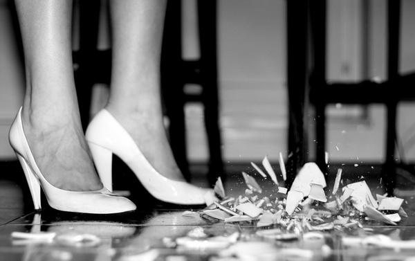 Почему девочки становятся истеричками и как с этим жить
