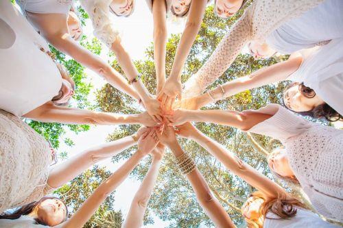 Женская терапевтическая группа « Место силы». Очная ( Москва) , онлайн .