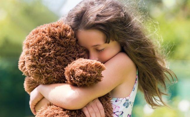 Можно ли восполнить дефицит любви, недополученной в детстве?